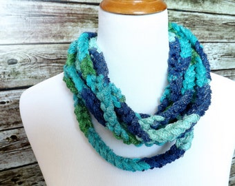Blue Green Chain Loop Cowl Scarf - Chain Yarn Necklace