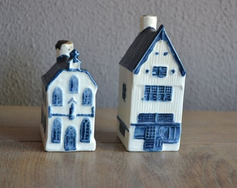 Two original KLM Delft Blue houses number 6 and 7