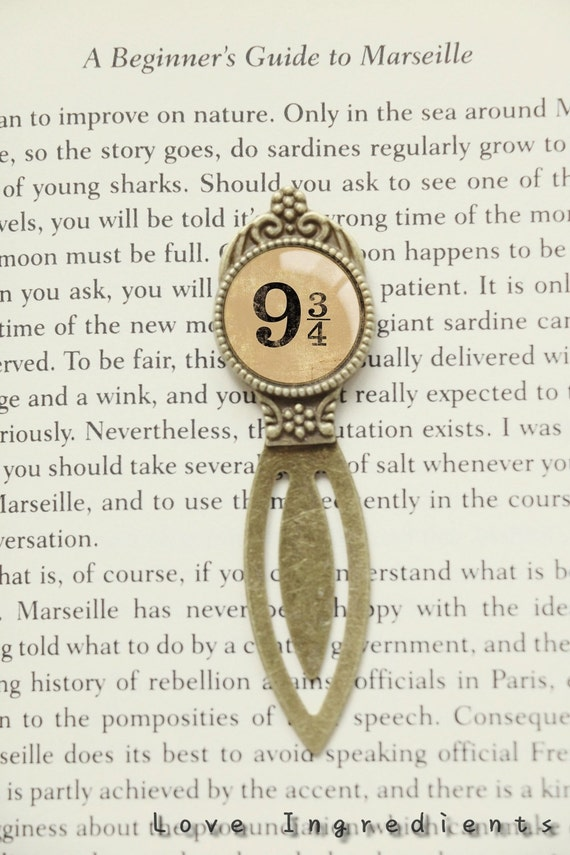 Harry Potter bookmark, Platform 9 3/4 gift literary gifts Librarian gift Resin bookmark Book lovers gift unique metal bookmark BM008