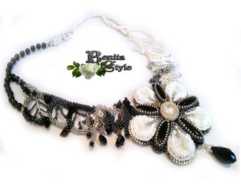 Beaded Necklace - Freeform Peyote, Beaded Statement jewelry, Bead Necklace Black Onyx, Necklace jewelry - black - white,