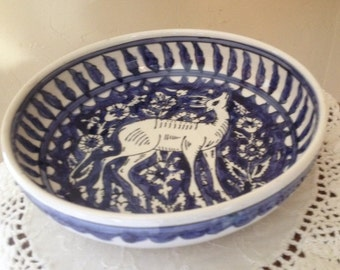 Vintage Decorative serving bowl Blue and White featuting a deer hand Painted- Hole for hanging