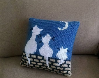 """Hand-knitted 12x12 inches throw pillow cover with zipper """"Cats on a roof""""."""
