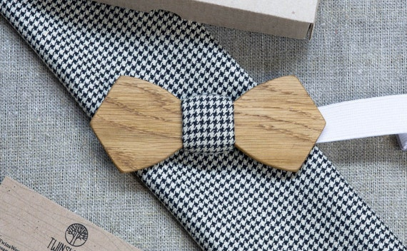 Oak Wood bowtie Retro style + pocket square Any personal engraving wooden bow ties. Men Accessories. 100% hand made. Best xmas / bday gift.