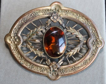 Antique Vintage Eif Co Brooch with Brass Metal and Amber Colored Glass Stone, Rhinestone, Art Nouveau, Flowers, Wreath, Oval Collectible