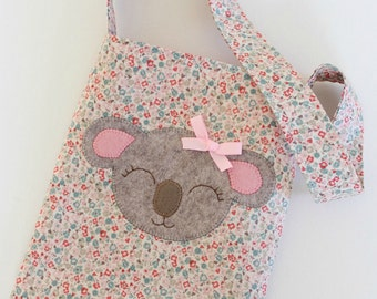 Koala CARRY BAG Pattern with Katie Koala Appliqué Template - tote bag, library bag, PDF, beginners, sewing, Australia Day, Australian animal