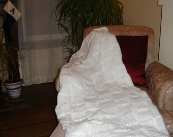 SALE HANDKNIT BLANKET Throw White Great Gift. Price reduced.
