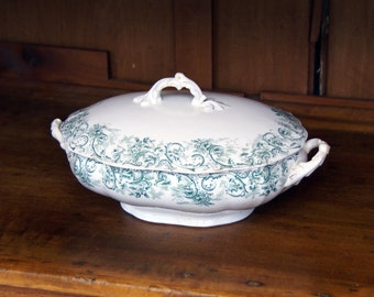 "Green Transferware Oval Covered Serving/Vegetable Dish/Tureen ~  9.5"" x 6.5"" ~ ""Rococo"" ~ John Maddock & Sons ~ England ~ c. 1945"