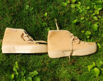 90s sneakers, grunge sneakers, thick sole sneakers, rubber sole sneakers, vintage sneakers, Hush Puppies, beige espadrilles