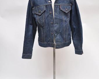vintage LEVIS denim jacket jean jacket 1970s size 42 dark indigo