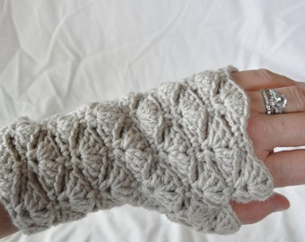 Lacy crocheted fingerless mitts *gloves* mittens