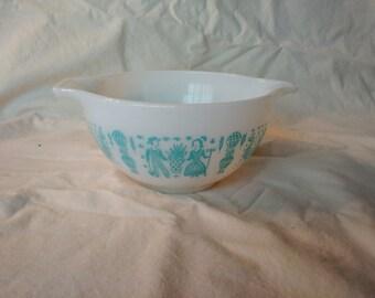 Vintage Pyrex Butterprint Small Cinderella Bowl (441-1.5 Pt)