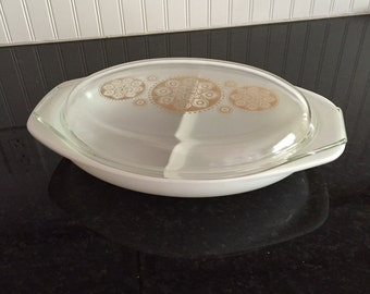 Vintage Pyrex Divided Vegetable Dish and Lid