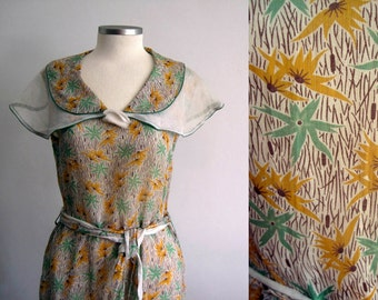 1930s Dress / 30s Dress / Floral Print Cotton Voile / Novelty Print / MEDIUM