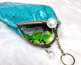 leather frame coins bag / kiss lock little cosmetic bag / hand-stitches