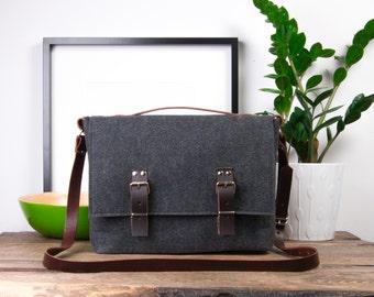 "Macbook 15 Bag, 17"" Messenger Bag, Macbook Air Case, Laptop bag, Computer case, Leather Satchel"
