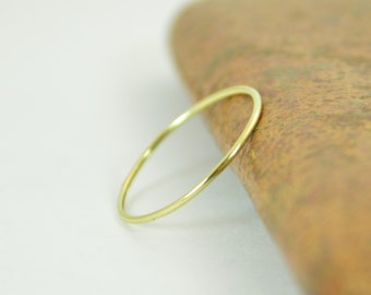 Solid 14K Green Gold Ring, Super Thin Stacking, Round Minimal Gold Ring, Green Gold Ring, Solid Gold Ring, 14k Gold Ring, Real Gold Ring