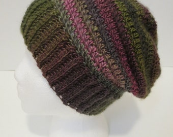 Crochet Hat with Ribbed Edging in Pink and Green