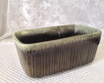 Hull Pottery Green Drip Planter, Olive, Seafoam Drip, Rectangular Ceramic Collectible, F467, Mid Century Decor, USA