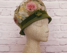 vintage 1960s ladies SPRING FLOWERS hat. union made. retro. mod. mad men. kitsch. floral. green. easter. classy. gardens. tea party. derby.