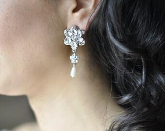 Earrings flower - silver Bridal jewelry