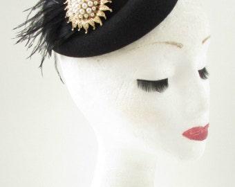 Black Gold Ivory Feather Pillbox Hat Fascinator Vintage 1940s 1920 Headpiece B39