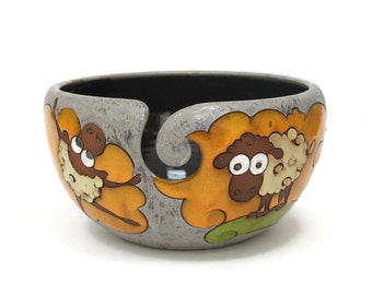 Yarn bowl with Sheep, Knitting Bowl, Crochet Bowl, Crochet Storage, Ceramic Yarn Bowl, Pottery Yarn Bowl, Yarn Holder, Yarn Bowls, Yarn