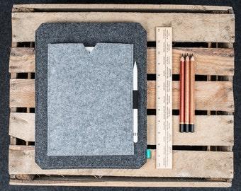 iPad Pro 10.5 case pocket, iPad Pro 12.9 felt cover, apple pencil case, felt iPad Pro sleeve, iPad Pro bag, Gopher