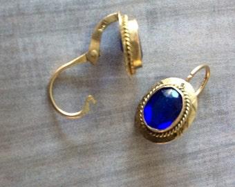 Vintage 10k gold & Synthetic Sapphire Earrings / Estate Jewelry / Gemstone Earrings / Fine Jewelry