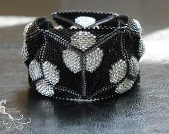 beaded bracelet, beaded jewelry, seed bead bracelet, peyote bracelet, seed bead jewelry, glass beads, cuff braclets, beadwork bracelet