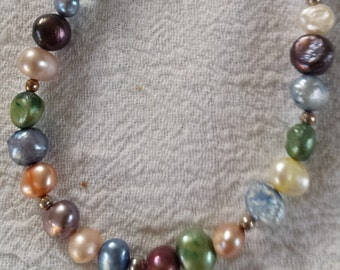 Colorful Pearl Necklace with much blue
