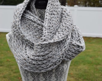 The Paige | Chunky Double-sided Crochet Infinity Scarf | Grey Marble