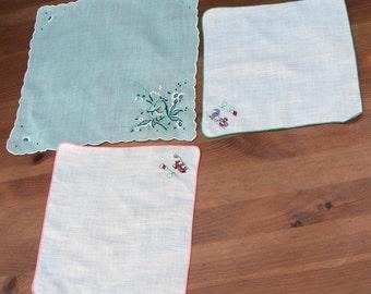 Vintage HANDKERCHIEF embroidered HANKY set of 3 retro unique handkerchief
