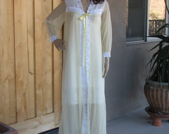 Vintage Yellow and White Peignoir, 1970s fashion, Vintage Robe, Sheer Lingerie, Romantic, VHIS
