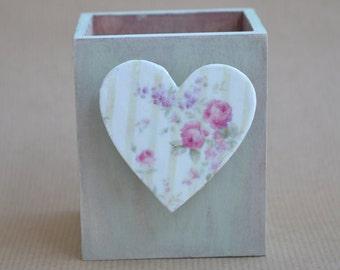 Shabby Chic Heart Gift for Her; Office Gift; Wood Pen Holder; Wood Pencil Holder; Desk Organiser; Big Sister Gift; Wooden Pen Holder;