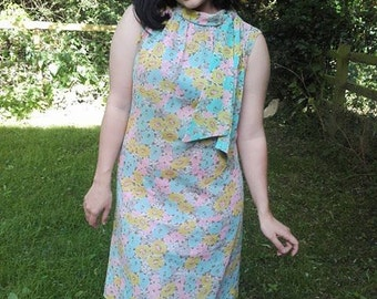 60's dress.1960's dress.Mod dress.60's sheath dress.Pastel dress.Shift Dress.UK 10.festival dress.sleeveless dress.short sleeve dress