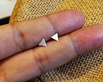 5 Mm Small Triangle Earrings,sterling Silver Earring,jewelry Sliver Stud, Minimalist Earrings, Small Triangle Stud Earrings, Sterling Silver