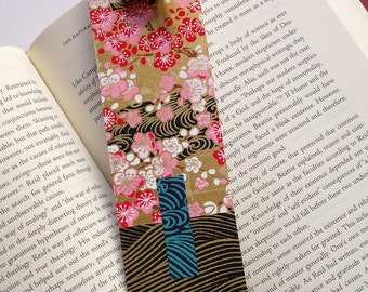 Crane Bookmark (gold red)