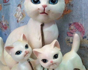 VERY RARE Vintage Playful Siamese Feline Kitty Cat Mama and Baby Kittens Family Porcelain Figurine Collectibles or Cake Toppers