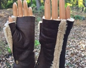 Leather Fur Gloves keeps your hand warm !!!