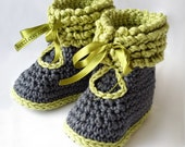 Crochet pattern baby booties shoes unisex boys or girls winter boots baby shoes crochet booties pattern with ruffles
