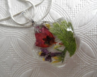 Pink Boronia,Ferns,Purple Lobelia,Sweet Yellow Clover,Queen Anne's Lace Glass Flower Shaped Pressed Flower Pendant-Symbolizes Admiration