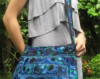 Hmong Vintage Style Ethnic Thai Boho Hobo Medium Size Tote Bag