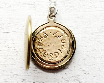 Personalized Locket Necklace, Mother's Day Jewelry, Mothers Necklace, Gift for Mom, Mommy Jewelry, Anniversary Gift, Graduation Gift,