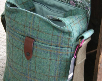 Tweed despatch bag with floral lining