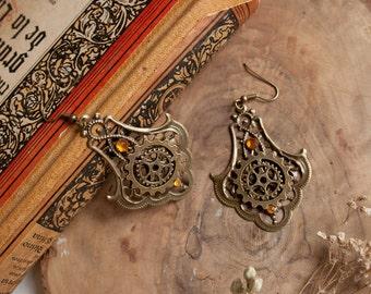 Golden Steampunk Earrings - Steampunk jewelry, cog earrings, steam punk earrings, steampunk clothing, steampunk jewellery, elegant steampunk