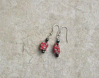 Small earrings made with silk recycled from vintage necktie/glass beads/upcycled / eco friendly