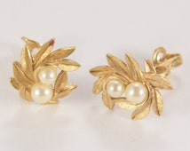 Gold Plated Vintage Avon Pearl Earrings 1950s Signed Vintage Jewelry 1950s Dress