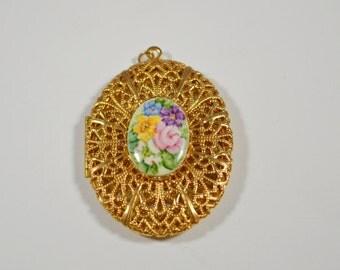 Vintage Flower Cameo Locket Pendant Goldtone Filigree Open Design Locket Cameo Pendant Locket Pendant