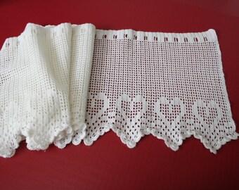 Vintage Long Crocheted Vallance, white, filet crochet, hearts, hand crocheted, handmade by VINTAGEpatternsDEPOT