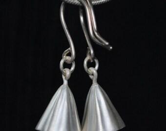 Tiny wavy bells earrings